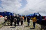 Migranti, cucina da campo per occupanti della tendopoli di San Ferdinando
