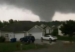 Usa, il Missouri devastato da una serie di terribili tornado Spazzata via Jefferson City, la capitale dello stato americano - CorriereTV
