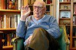 Camilleri, i numeri di un autore da record: 100 libri e 31 milioni di copie vendute