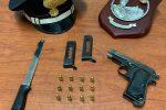 Litiga con il nipote e lo minaccia con una pistola: arrestato 47enne a Isola di Capo Rizzuto