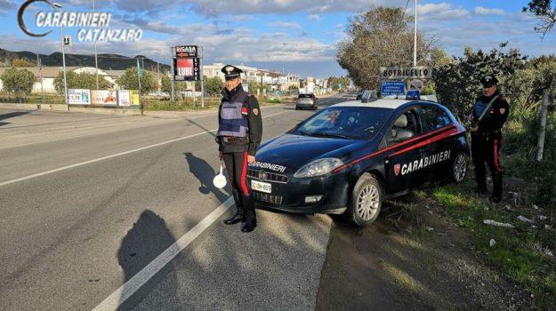 arresto a Reggio, furto aggravato, inseguimento, resistenza a pubblico ufficiale, ruba un autocarro, statale 106, tribunale di catanzaro, Catanzaro, Calabria, Cronaca