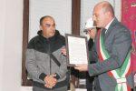 Crotone, difese e salvò un medico aggredito: adesso diventerà cittadino italiano