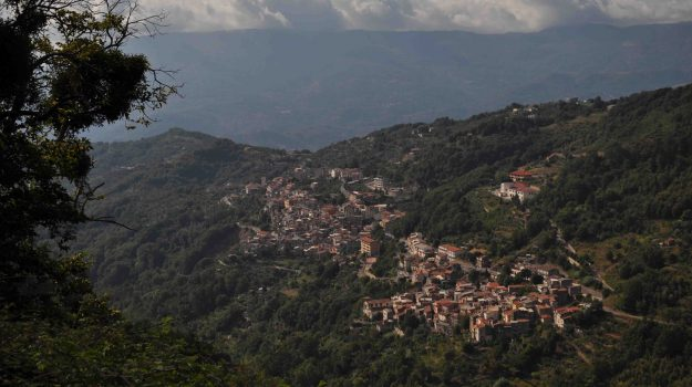 conflenti, villa confiscata, Catanzaro, Calabria, Cronaca