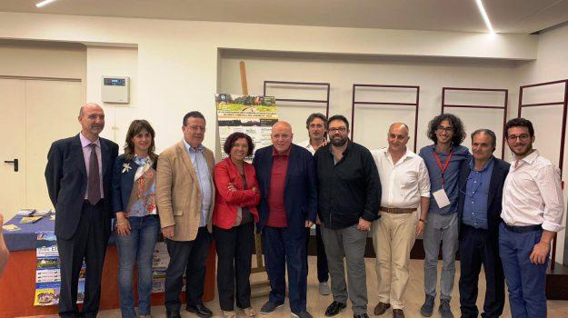 ferrovie turistiche calabria, Mario Oliverio, Cosenza, Calabria, Economia