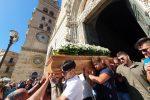 L'incidente a Grotte, a Messina lacrime e dolore per l'ultimo saluto a Martina - Foto