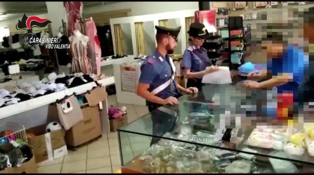 mileto, negozio cinese, prodotti contraffatti, sanzioni, sequestro, servizio di controllo del territorio, Catanzaro, Calabria, Cronaca