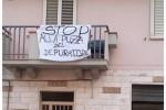 Cattivo odore e degrado, a Catanzaro Lido continua la protesta