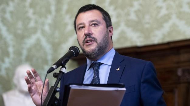 migranti, tubercolosi, Matteo Salvini, Sicilia, Politica