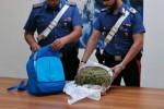 Crotone, un chilo e mezzo di droga nello zaino: arrestato un 26enne