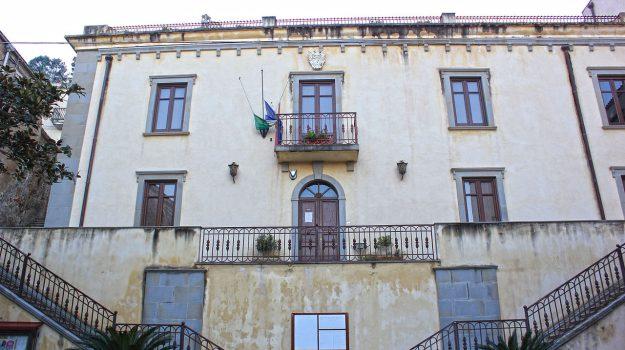 precari santa lucia del mela, Messina, Sicilia, Economia