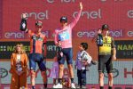 Carapaz nella storia: primo ecuadoriano a vincere il Giro d'Italia. Nibali chiude secondo
