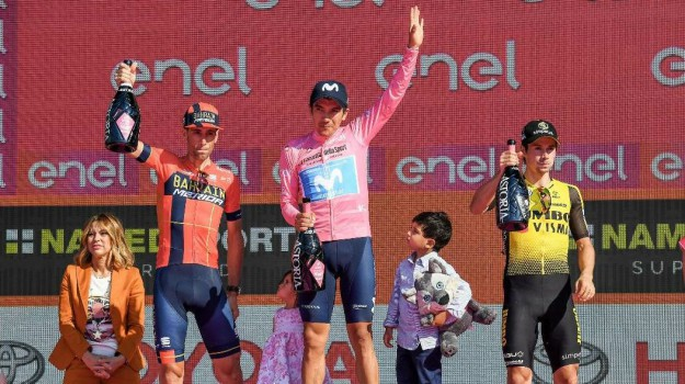 ciclismo, giro d'italia, Richard Carapaz, vincenzo nibali, Sicilia, Sport