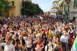 Pride dello Stretto, un fiume festoso per le strade e Messina si tinge di arcobaleno - Foto