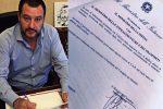 Salvini firma il divieto