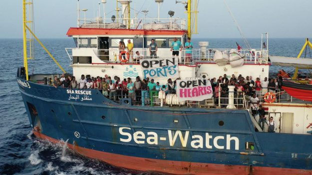 lampedusa, migranti, sea watch, Carola Rackete, Sicilia, Cronaca