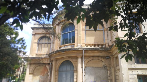 teatro di messina, Messina, Sicilia, Cultura