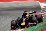 Formula 1, Verstappen beffa Hamilton e vince Gp Francia