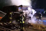 Crotone, camion in fiamme nel piazzale dell'ex Montedison