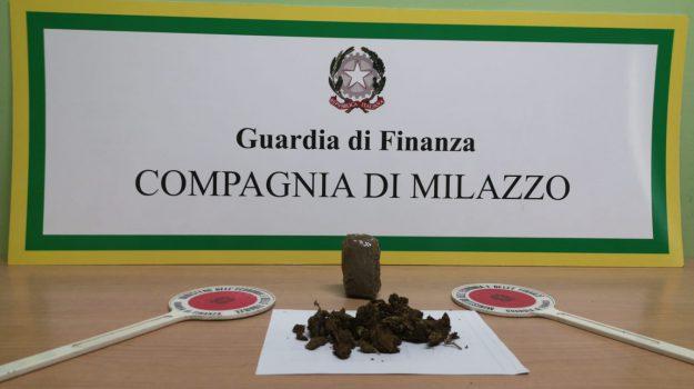 aliscafo milazzo salina, droga eolie, imbarcaderi milazzo, marjuana, Messina, Sicilia, Cronaca