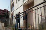Bimbo di tre anni cade dal quinto piano di un palazzo a Catanzaro: è grave
