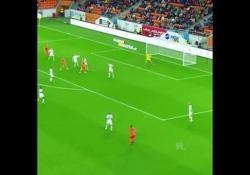 Danimarca, il gol è dall'angolo impossibile La rete di Jeppe Pedersen dell'Odder IGF, squadra della seconda divisione danese - Dalla Rete