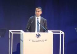 """Di Maio: «L'IVA non aumenterà» Il ministro dello Sviluppo Economico all'assemblea di Confcommercio: """"All'Italia un commissario economico"""" - CorriereTV"""