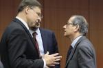 Valdis Dombrovskis e Giovanni Tria in una foto di archivio
