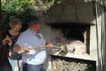 """Studenti in festa a Stefanaconi, esibizioni e """"battesimo del fuoco"""" nel nuovo forno pubblico - Foto"""