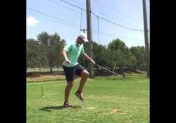 Golf, Max Hilty sembra Maradona: palleggia con la pallina Quando il golf incontra il calcio - Dalla Rete