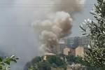 Incendio di sterpaglie a Catanzaro, fiamme domate nel quartiere Monacaro