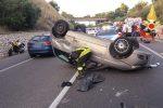 Tre auto coinvolte in un incidente a Stalettì: feriti e traffico paralizzato - Foto