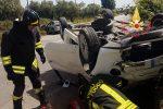 Incidente a Lamezia, nello scontro tra due auto una si ribalta: due feriti - Foto