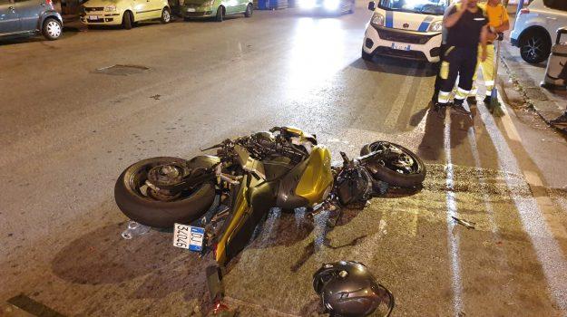 corso Cavour Messina, incidente messina, piazza Bellini Messina, Messina, Sicilia, Cronaca
