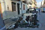 Intimidazione nella notte a Gioia Tauro, distrutta l'auto di un medico - Foto