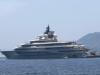 Jeff Bezos in vacanza in Sicilia: il mega yacht del fondatore di Amazon avvistato alle Eolie