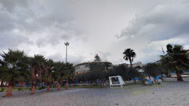 lido comunale reggio, Reggio, Calabria, Economia