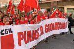 Manifestazione per il Sud: a Reggio Calabria il corteo di Cgil, Cisl e Uil - Foto