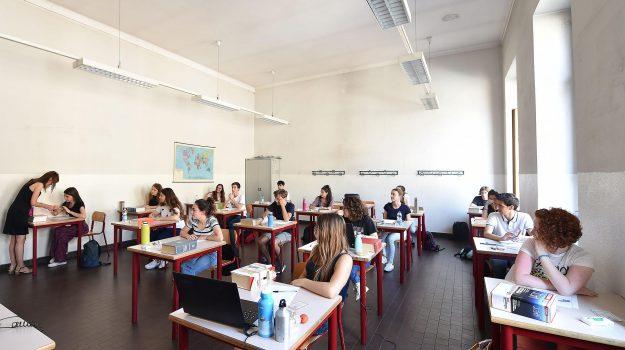 dispersione scolastica, fondi regione calabria, Calabria, Economia