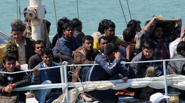 lampedusa, migranti, sbarco, Sicilia, Cronaca