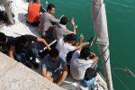 Migranti, 30 a bordo di una barca a vela intercettati al largo di Capo Rizzuto