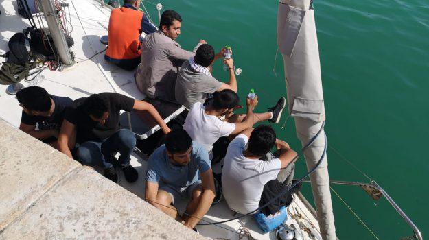 capo rizzuto, migranti, Catanzaro, Calabria, Cronaca