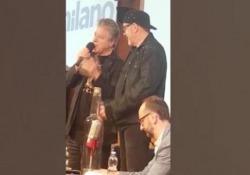 """Musica, Vasco Rossi : """"Dovessi tornare indietro rifarei tutto: errori e passioni"""" Il cantante ha ricevuto il premio Assomusica per la dedizione ai testi e ai significati delle sue canzoni - CorriereTV"""
