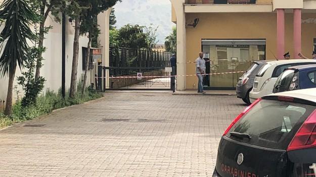 omicidio carini, taglia vene, uccide moglie, Annamaria Scalo, Marco Ricci, Sicilia, Cronaca