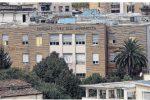 Ospedale di Cosenza in difficoltà, l'allarme di Occhiuto: «Mancano letti e medici»