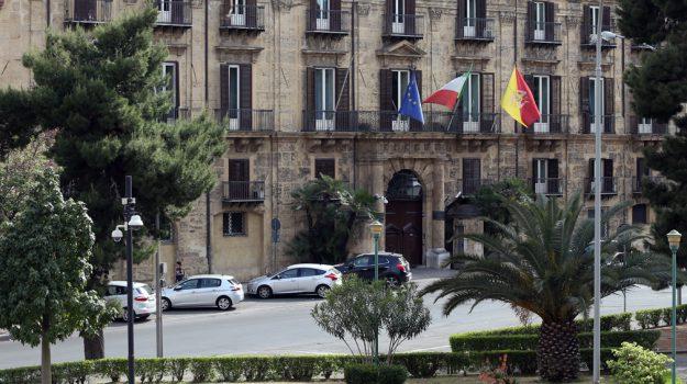 regione siciliana, tirocini regione, Sicilia, Economia