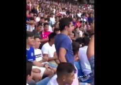 Real Madrid, il tifoso del Barcellona si imbuca alla presentazione di Hazard È uno dei colpi più importanti di questo calcio mercato appena iniziato - Dalla Rete