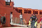 Lo sbarco di migranti a Pozzallo, fermati due presunti scafisti