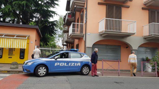 legittima difesa, tabaccaio uccide ladro, Sicilia, Cronaca