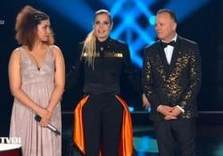 «The Voice of Italy 2019», Simona Ventura e l'appello al pubblico: «Se ci date successo ci date sopravvivenza» Così la conduttrice prima di proclamare la vincitrice dell'edizione - CorriereTV