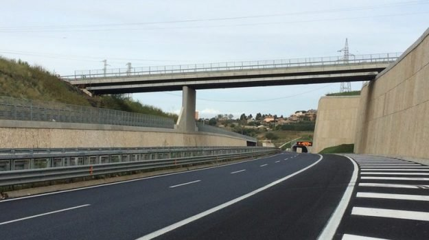 anas, viadotti calabria, Calabria, Economia